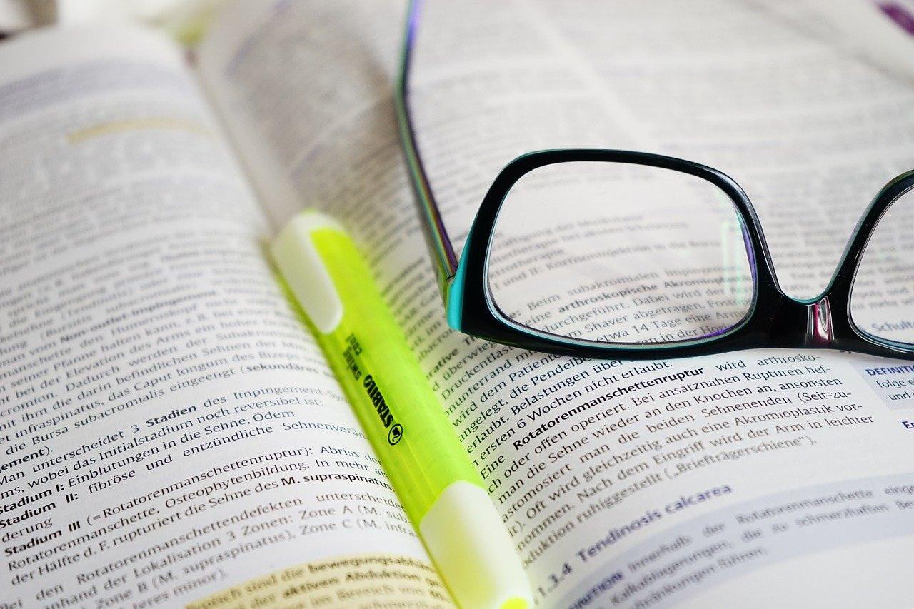 Aký je rozdiel medzi akreditovaným aneakreditovaným kurzom?